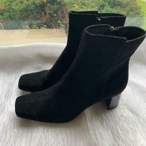 Nine West black suede 2 in ankle boots 6.5